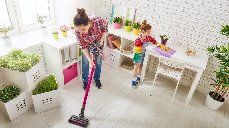 Совместная уборка с детьми